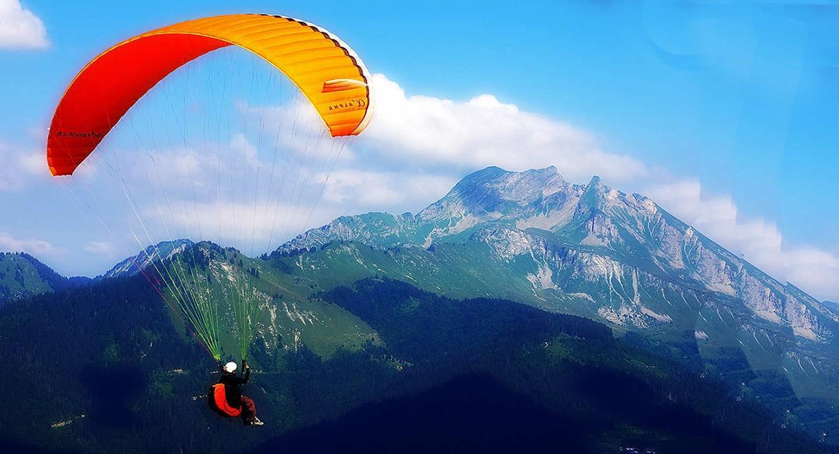 Paragliding Equipment & Paragliding School | FlyLife Paragliding
